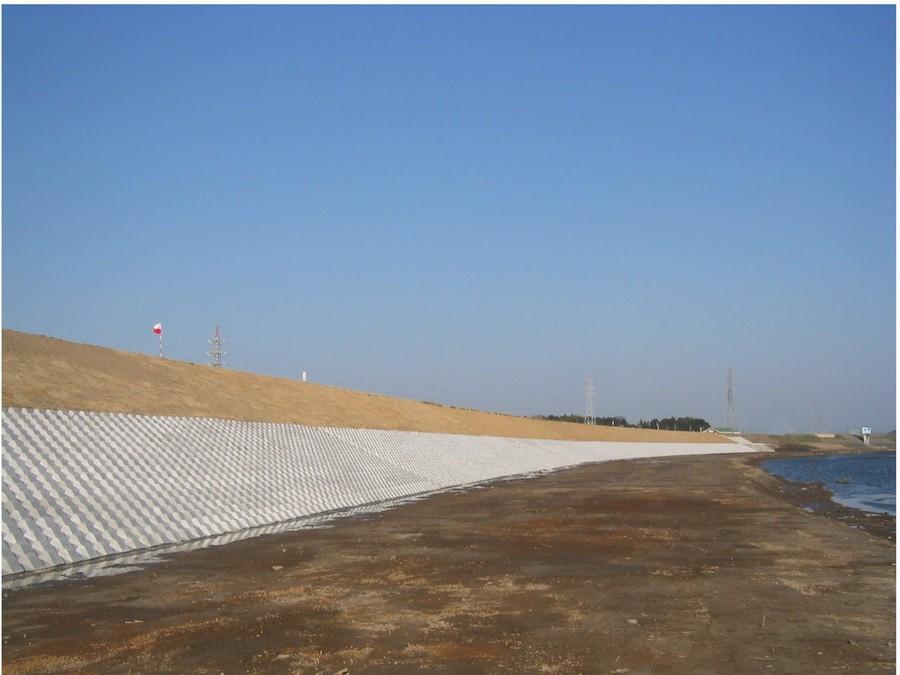 上高井堤防2